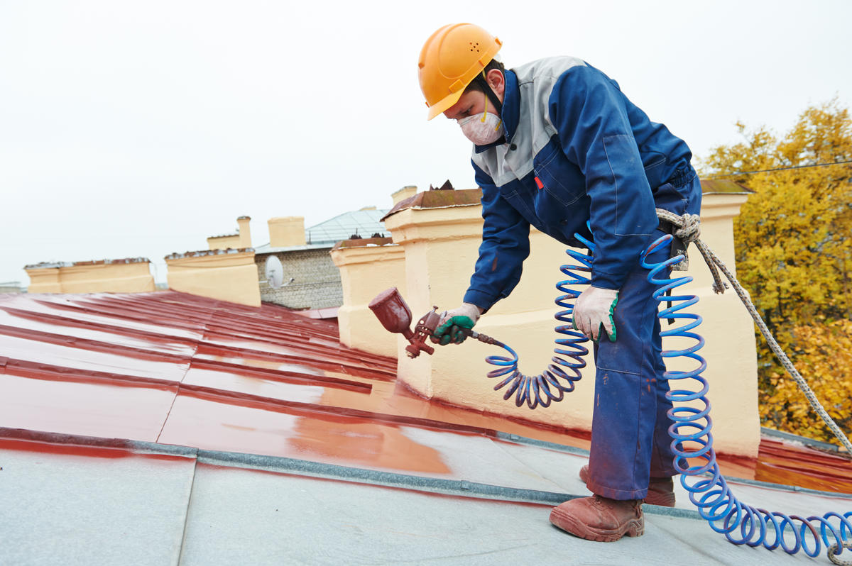 Peindre une toiture en ardoise : 3 grandes étapes incontournables !